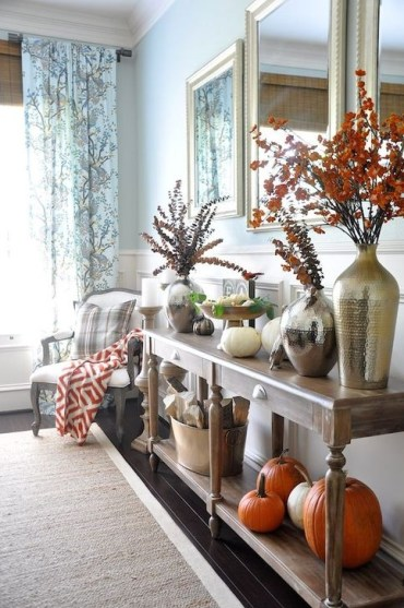 Stylish Console Table For Halloween Ideas 14