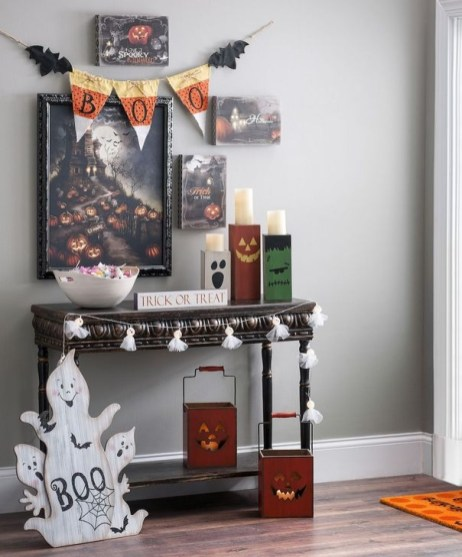 Stylish Console Table For Halloween Ideas 17