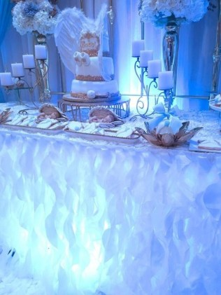 Charming Winter Themed Baby Shower Decoration Ideas09