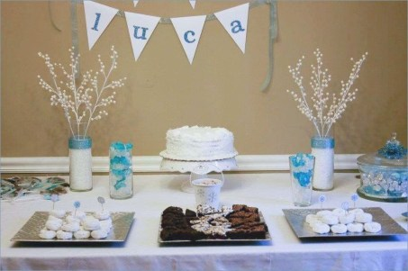 Charming Winter Themed Baby Shower Decoration Ideas25