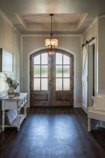 Creative Farmhouse Entryway Decorating Ideas15