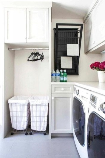 Popular Farmhouse Laundry Room Decorating Ideas37