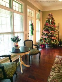 Amazing Christmas Decorating Ideas For Small Spaces09