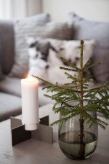 Amazing Christmas Decorating Ideas For Small Spaces10