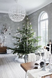 Amazing Christmas Decorating Ideas For Small Spaces27