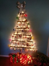 Amazing Christmas Decorating Ideas For Small Spaces39