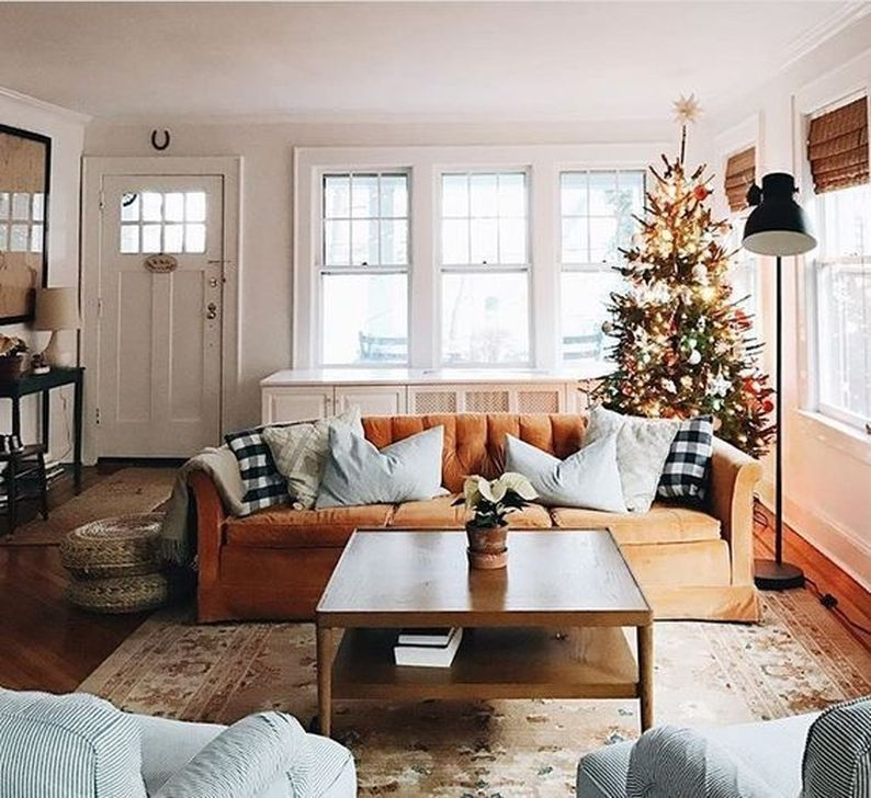 Comfy Christmas Living Room Decor Ideas03