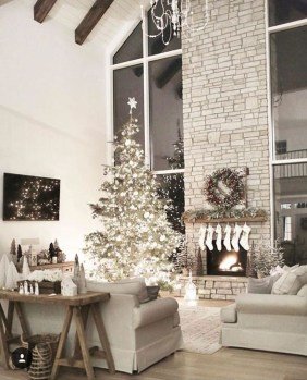 Comfy Christmas Living Room Decor Ideas26