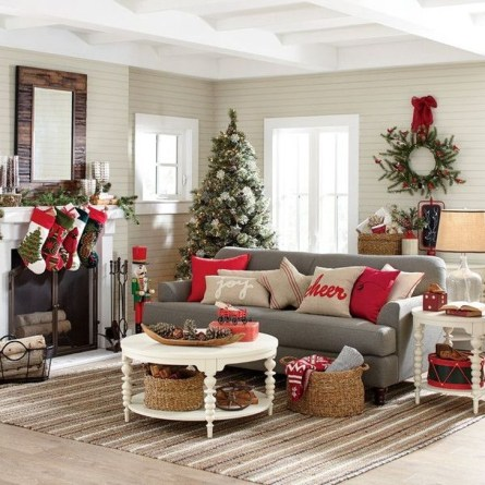 Comfy Christmas Living Room Decoration Ideas44