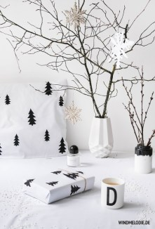 Extraordinary Scandinavian Christmas Decor Ideas19
