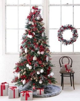 Extraordinary Scandinavian Christmas Decor Ideas33