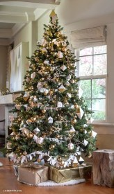 Gorgeous Rustic Christmas Tree Decoration Ideas01