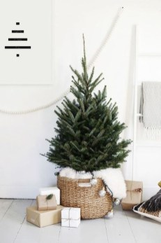 Gorgeous Rustic Christmas Tree Decoration Ideas20