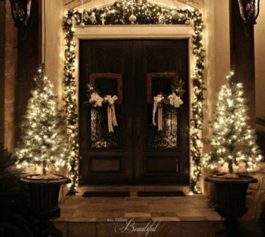 Lovely Christmas Porch Makeover Ideas27