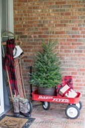 Lovely Christmas Porch Makeover Ideas33