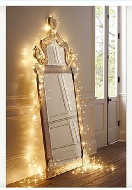 Magnificient Christmas Lighting Bedroom Ideas39