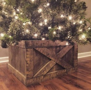 Modern Farmhouse Christmas Tree Ideas19