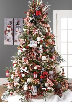Modern Farmhouse Christmas Tree Ideas25