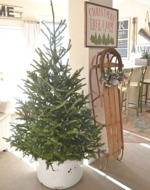 Modern Farmhouse Christmas Tree Ideas33