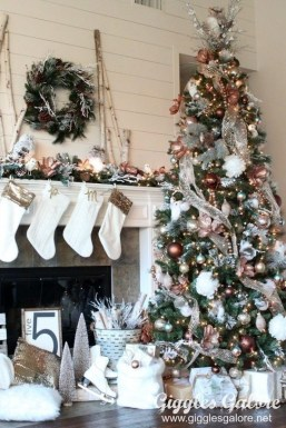 Romantic Rustic Christmas Decoration Ideas35
