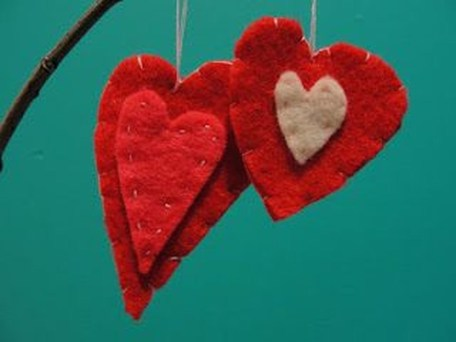 Cheap Diy Ornaments Ideas For Valentines Day04