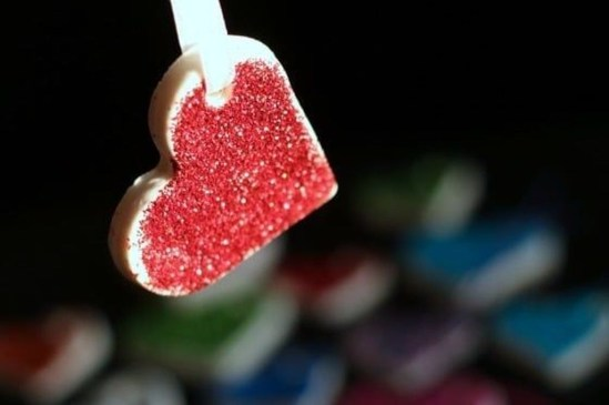 Cheap Diy Ornaments Ideas For Valentines Day21