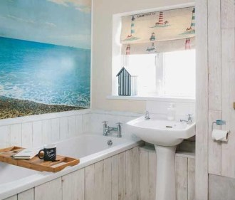 Cozy Coastal Style Nautical Bathroom Designs Ideas11