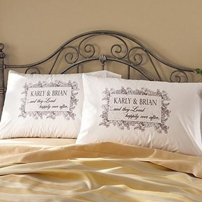 Cute Valentine Bedroom Decor Ideas For Couples22