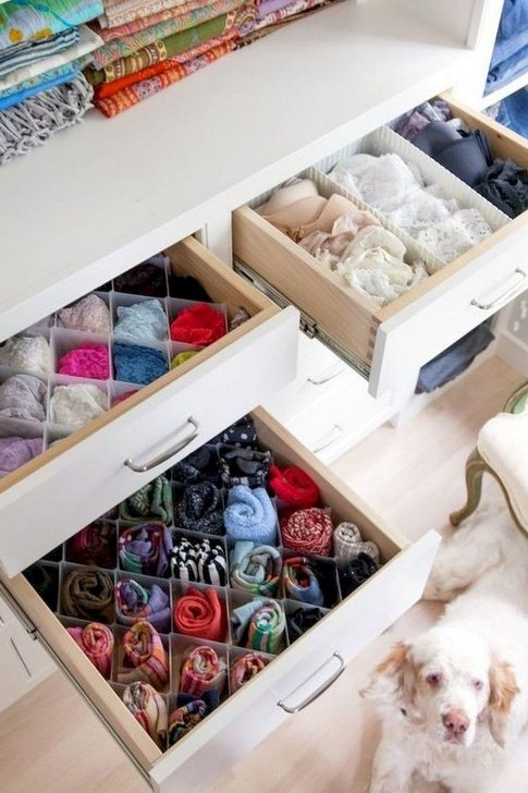 Lovely Dorm Room Organization Ideas On A Budget26