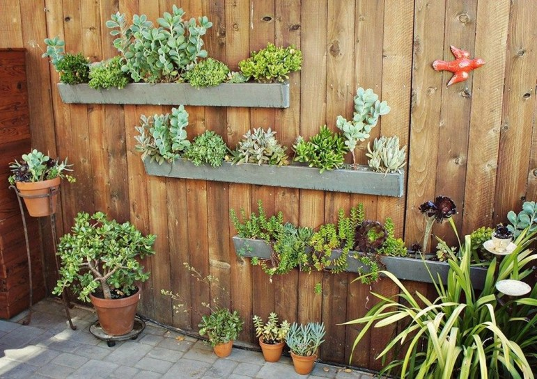 Stylish Vertical Garden Ideas For House31