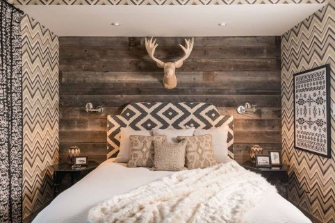Affordable Lake House Bedroom Decorating Ideas44