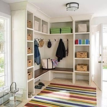 Awesome Rustic Mudroom Bench Decorating Ideas On A Budget06