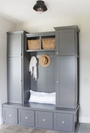 Awesome Rustic Mudroom Bench Decorating Ideas On A Budget29
