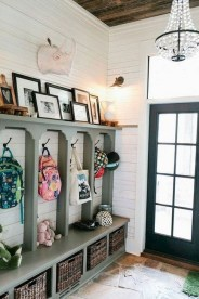 Awesome Rustic Mudroom Bench Decorating Ideas On A Budget30