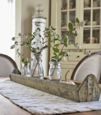 Captivating Farmhouse Dining Room Table Decorating Ideas08