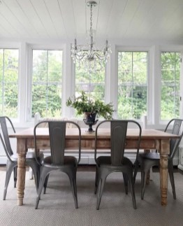 Captivating Farmhouse Dining Room Table Decorating Ideas14