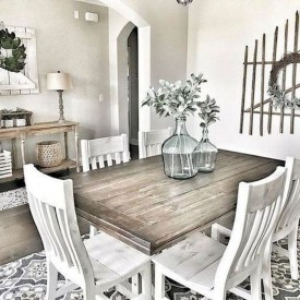 Captivating Farmhouse Dining Room Table Decorating Ideas39