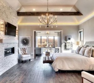 Comfy Urban Farmhouse Master Bedroom Design Ideas20