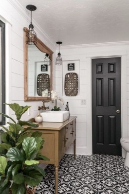 Cute Farmhouse Bathroom Remodel Ideas On A Budget15