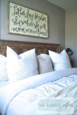 Inspiring Farmhouse Style Master Bedroom Decoration Ideas27