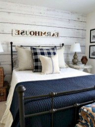 Inspiring Farmhouse Style Master Bedroom Decoration Ideas32