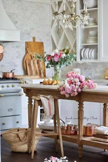 Latest French Country Kitchen Design Ideas22