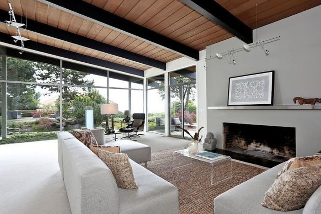 Amazing Living Rooms Design Ideas With Exposed Wooden Beams 22