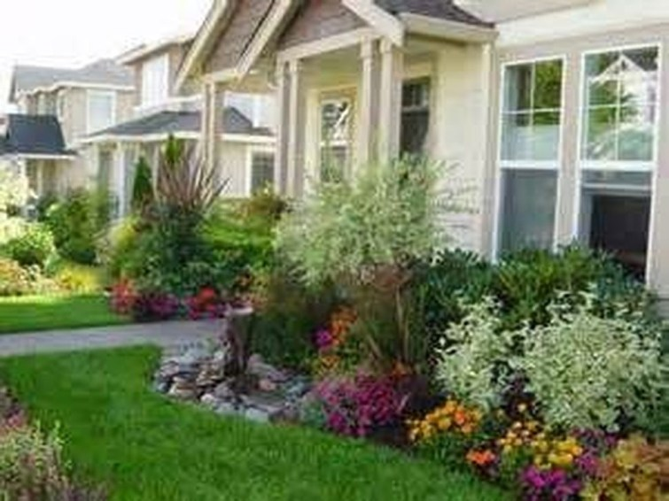 Enchanting Front Of House Landscaping Ideas07