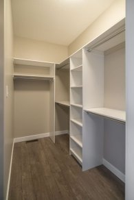 Impressive Walk In Closet Organization Ideas05