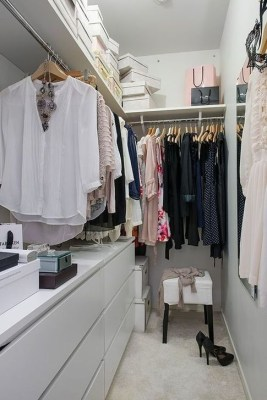 Impressive Walk In Closet Organization Ideas07