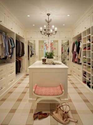 Impressive Walk In Closet Organization Ideas30