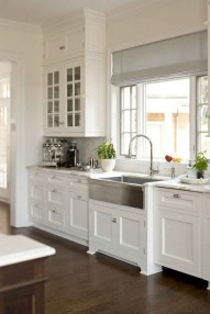 Magnficient Small Kitchens Ideas With Dark Cabinets23