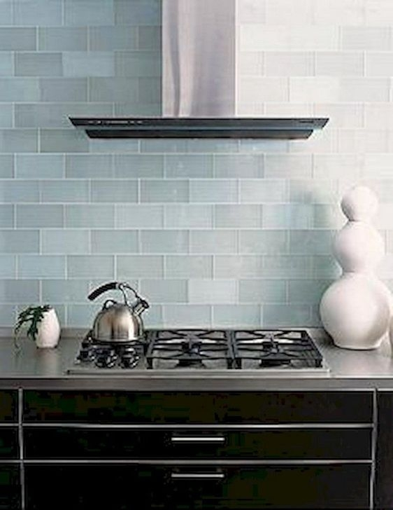 Magnficient Small Kitchens Ideas With Dark Cabinets33