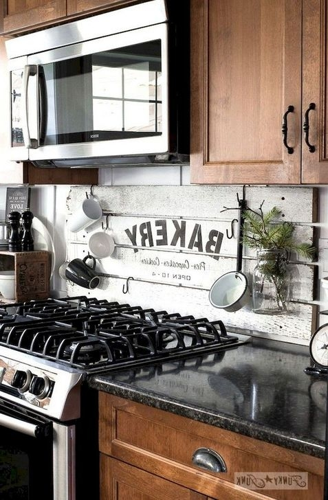 Magnficient Small Kitchens Ideas With Dark Cabinets34